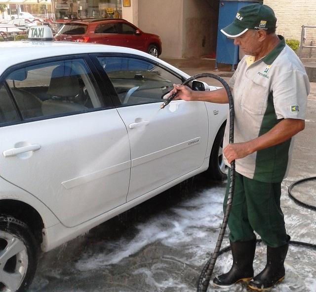 Carro dá despesa de R$ 1.185,00 por mês