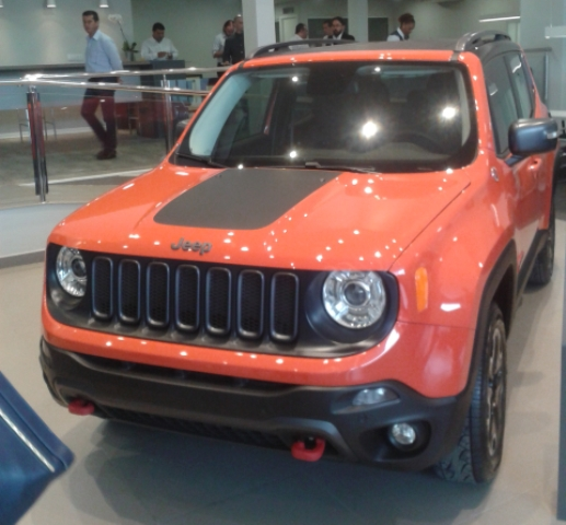 Jeep_Renegade_Frentlat_2015