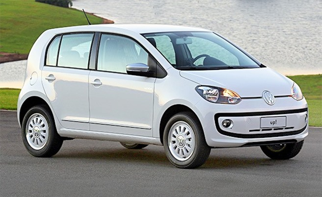 Volkswagen_Up_frentlat_2015