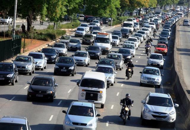 Financiamento cai menos do que a venda de carro