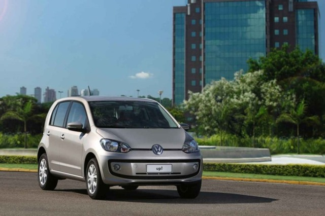 volkswagen_up_high_frentlat_2015