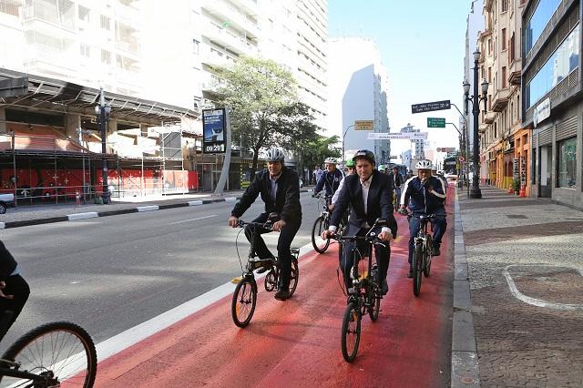 Bicicleta é a opção, mas falta cultura
