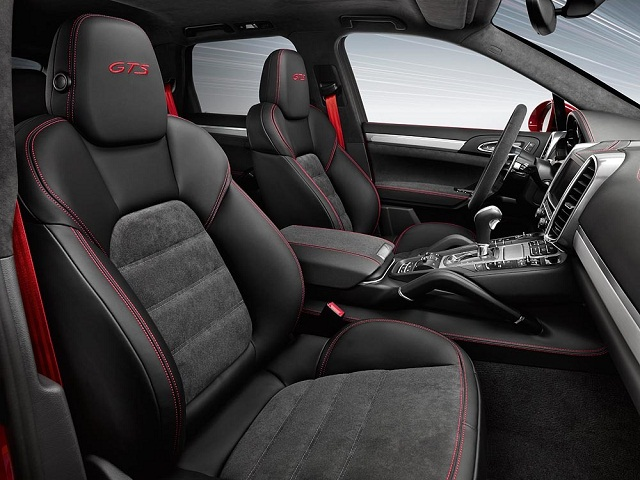 Porsche_Cayenne_GTS_interna_2015
