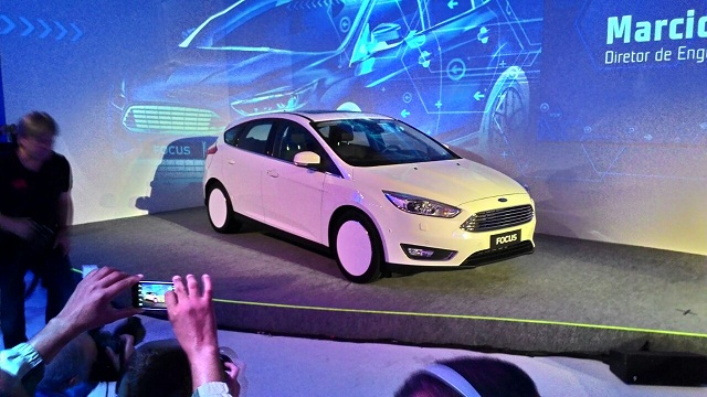 Ford_Fusion_Frentlat_2016