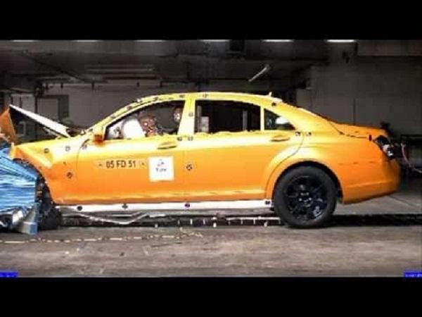 Mercedes-Benz inaugura laboratório de colisões
