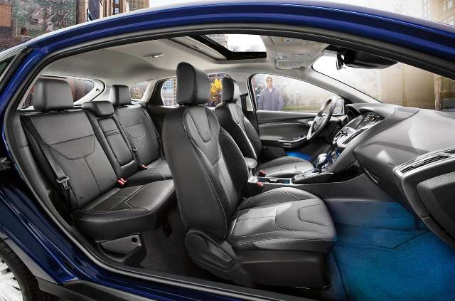 Ford_Focus_Fastaback_interior_2016
