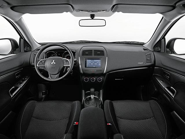 Mitsubishi_ASX_Oneil_interior_2016