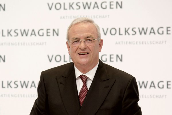 Manipulação de emissões derruba o chefão da Volkswagen
