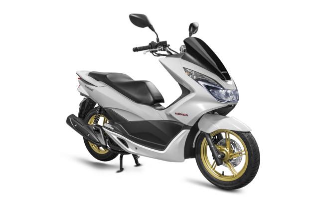 Scooter PCX 150 está mais equipado