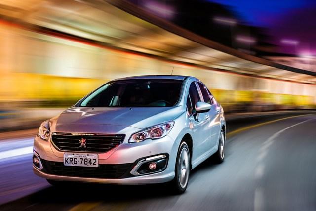Peugeot 408 ganha mais equipamentos