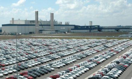 Vendas desabam 33% no bimestre e GM é líder