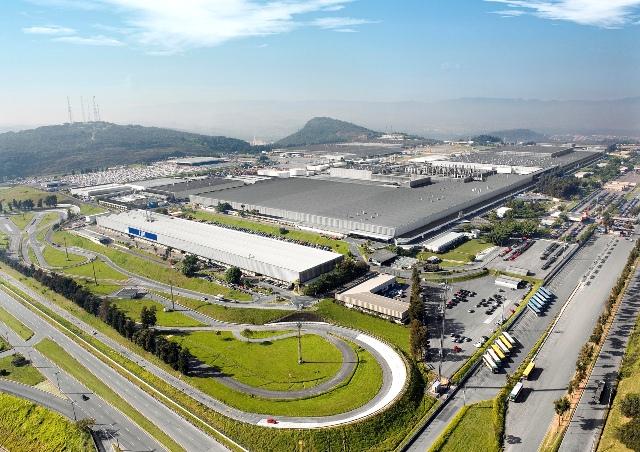 FCA vai produzir carros com energia solar