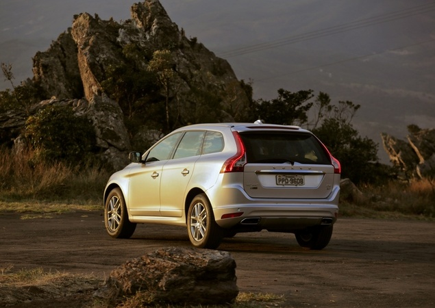 xc60 d5 tras