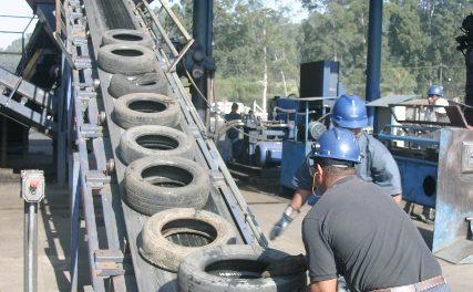 800 milhões de pneus reaproveitados
