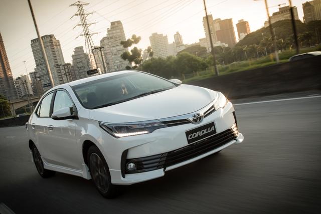 2018_Toyota_Corolla_frentlat_2