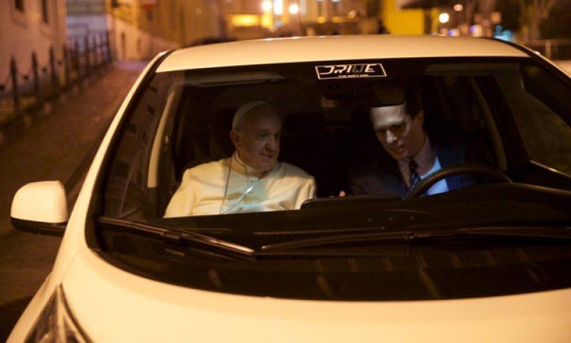 Papa Francisco vai andar de Leaf durante um ano