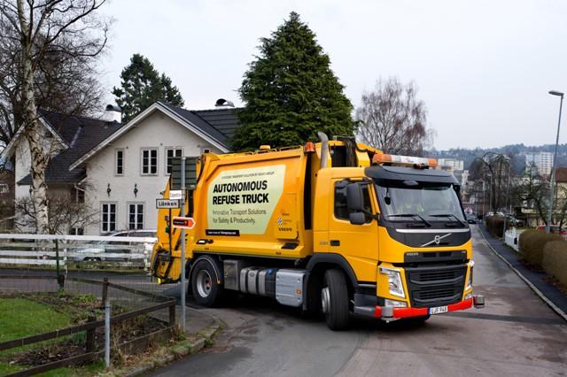 Volvo_caminhão_autonomo_lixo