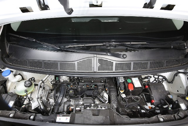 Peugeot_Expert_motor