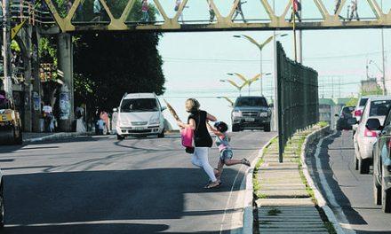 Pedestres e ciclistas podem ser multados
