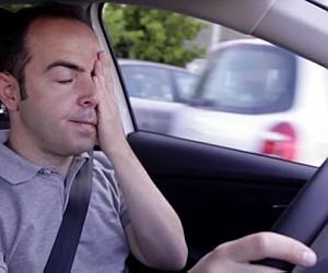 Sono ao volante pode gerar graves acidentes
