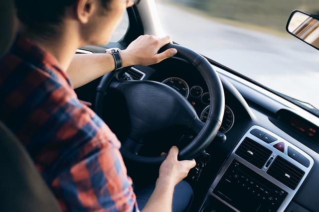 Distância correta do volante reduz desgaste físico