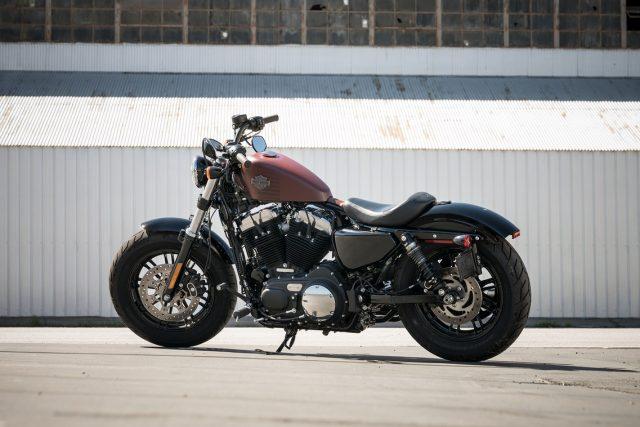Harley comemora boas vendas e dá desconto