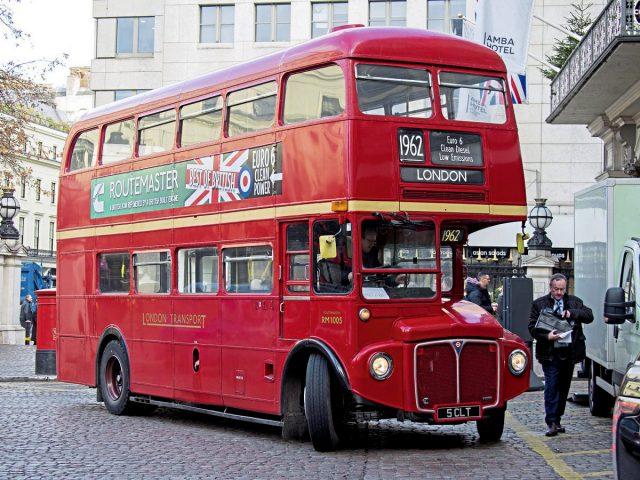 Ônibus londrinos terão que poluir menos