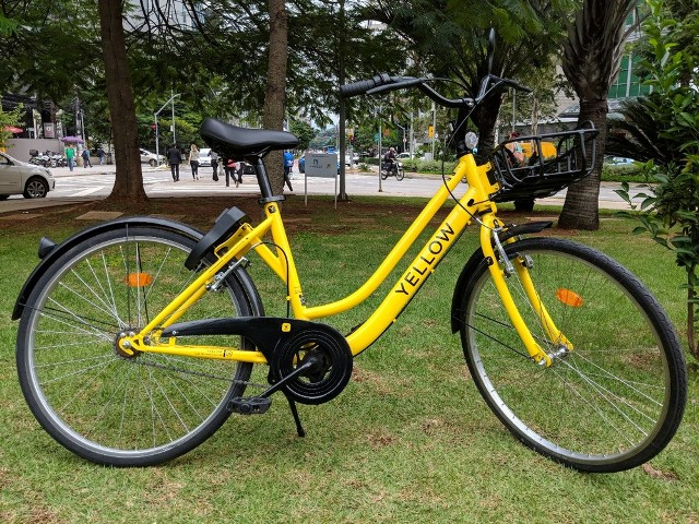 Yellow bicicletas