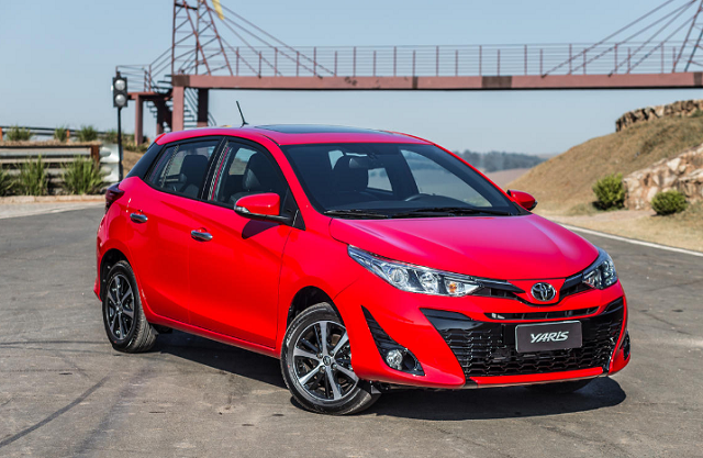 Toyota Yaris hatch frentlat 19
