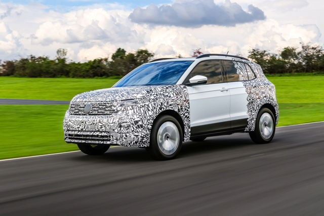 VW T-Cross_lat_move