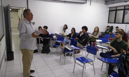 """""""Prêmio propõe conteúdo relevante aos estudantes"""""""