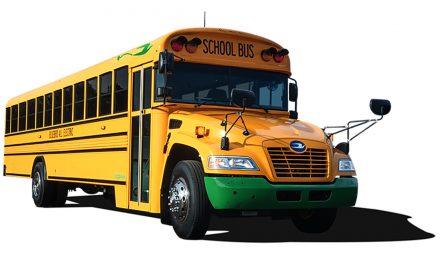 Cummins equipa ônibus escolar com sistema elétrico