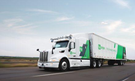 Nos EUA, caminhão anda sozinho
