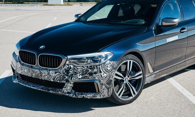 BMW testa super esportivo de 720 cavalos